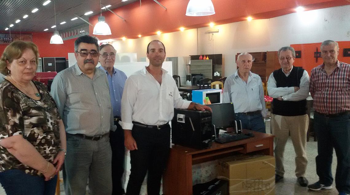 La Fama donó una computadora a Cepril