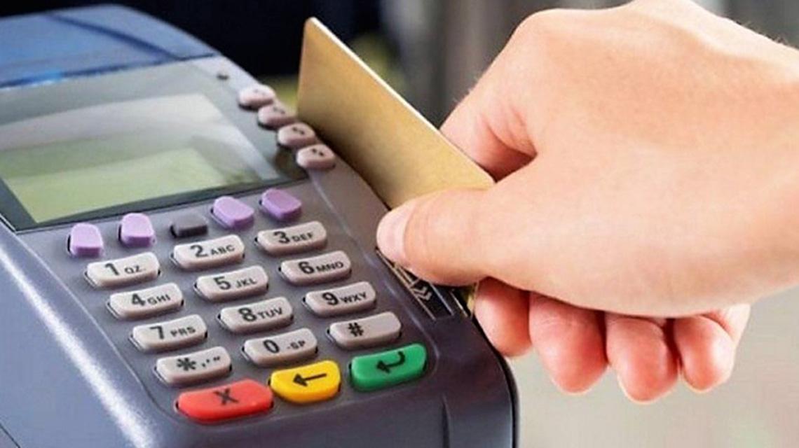 Uso del Débito y Crédito